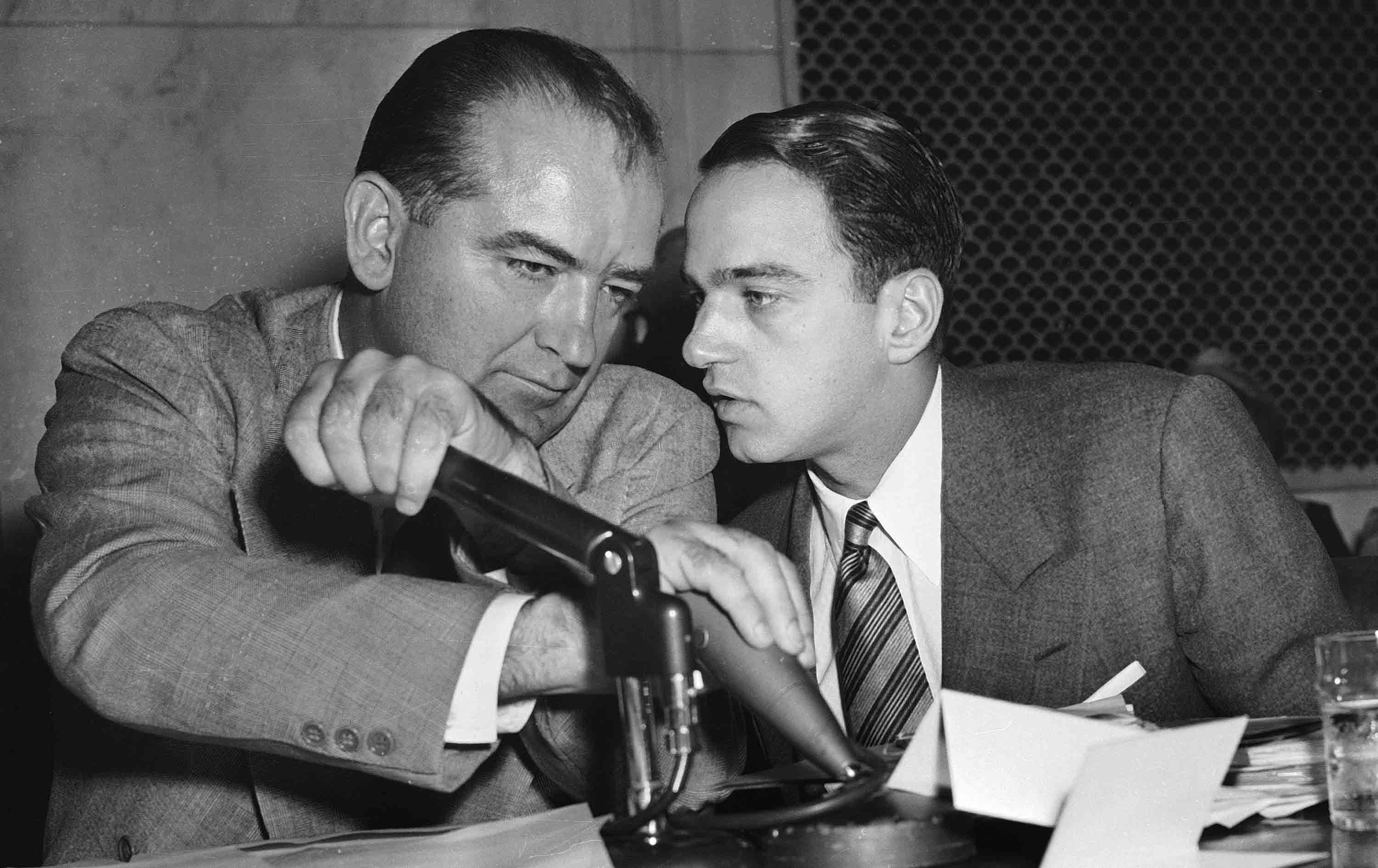 """summary of mccarthy hearings Capitalizing on those concerns, a young senator named joseph mccarthy made a public accusation that more than two hundred """"card-carrying"""" communists had infiltrated the united states government."""